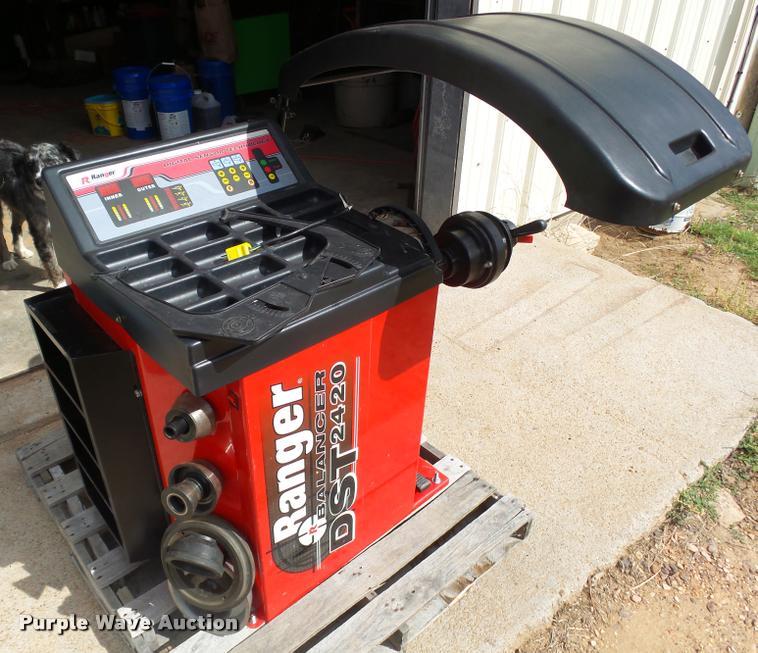 Ranger DST2420 tire balancer