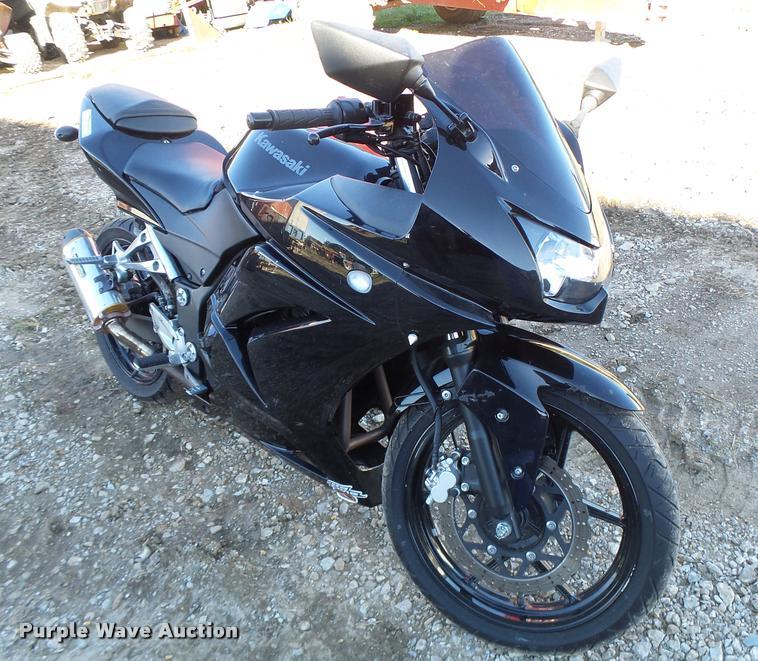 2011 Kawasaki EX250-J motorcycle