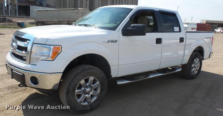 2013 Ford F150 XLT SuperCrew pickup truck