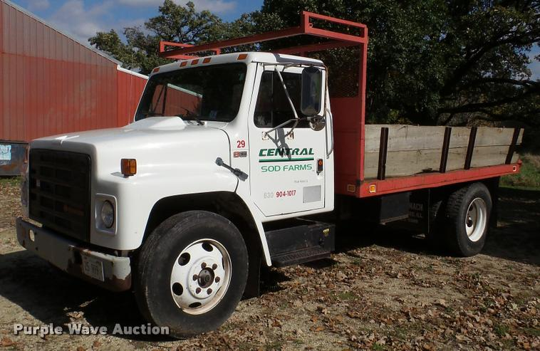 1989 International 1654 dump truck