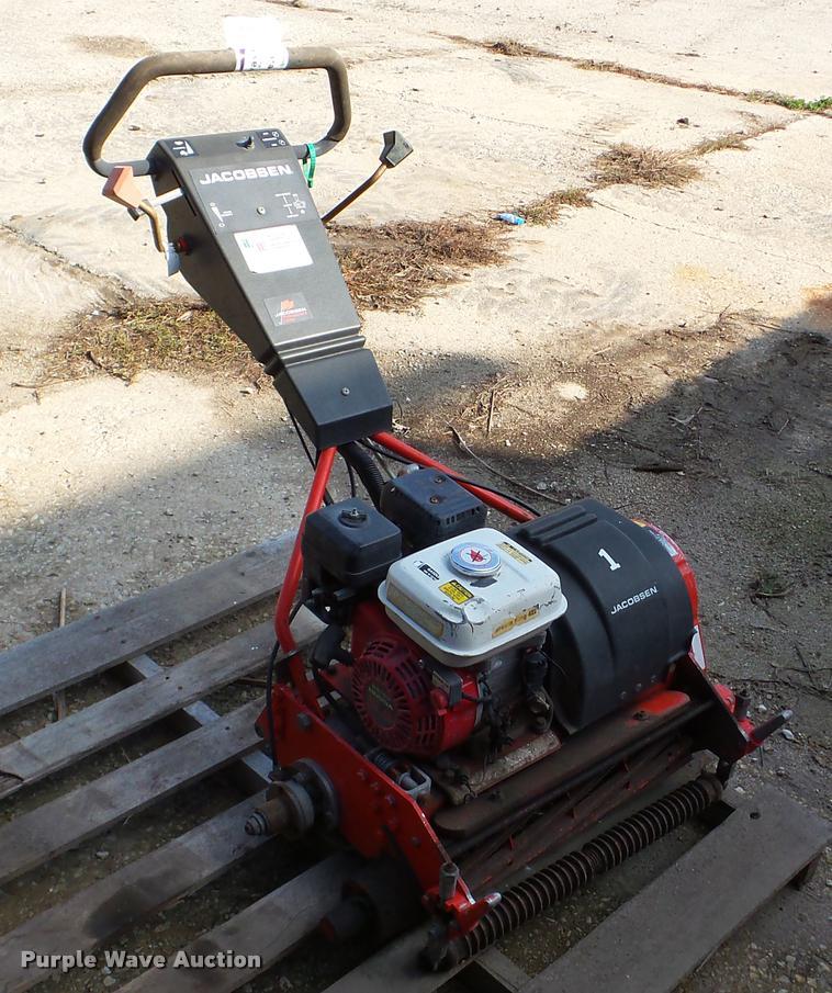 Jacobsen greens mower