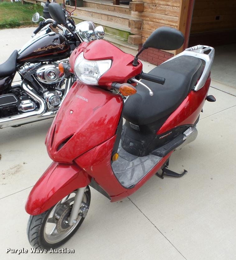 2010 Honda Elite NHX100WH scooter
