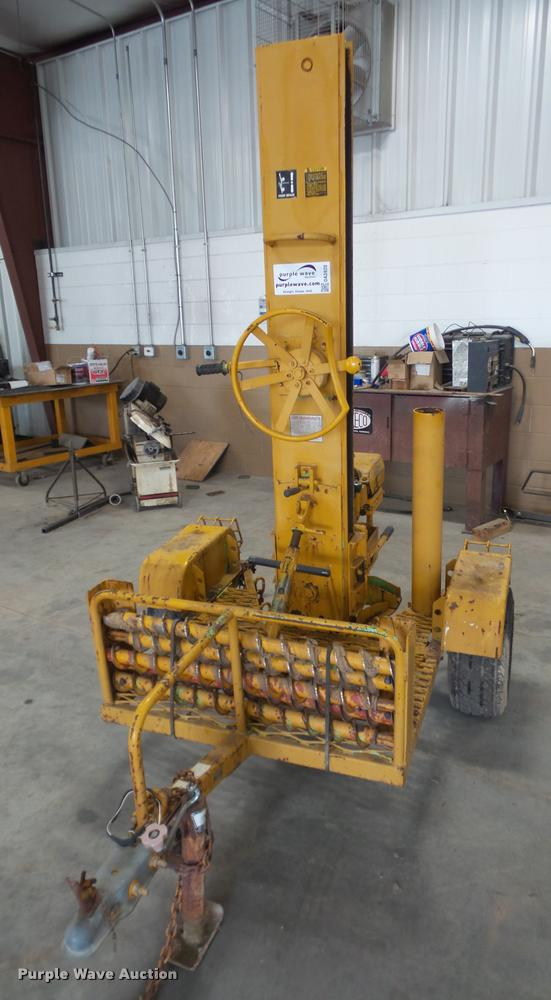 Dig-r-mobile 550 test hole drill