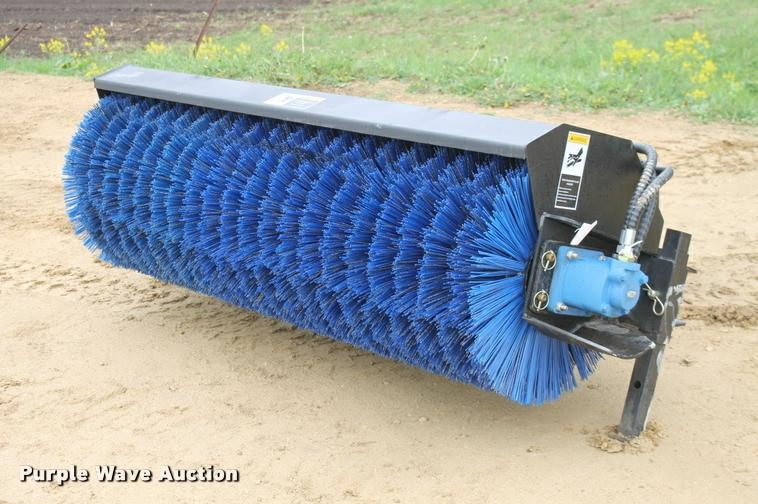 Skid steer sweeper broom