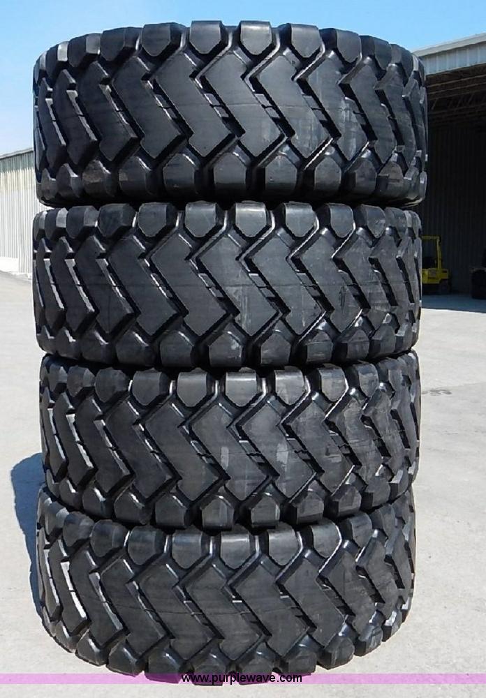 (4) 29.5x25 loader tires