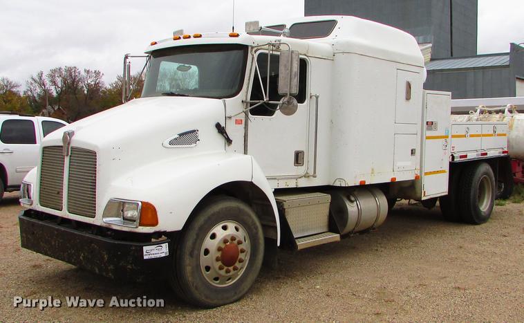 1998 Kenworth T300 service truck