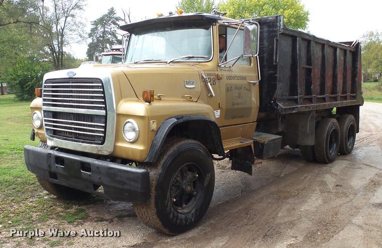 1978 Ford 9000 dump truck