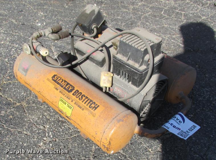 Stanley Bostich Builders Series air compressor