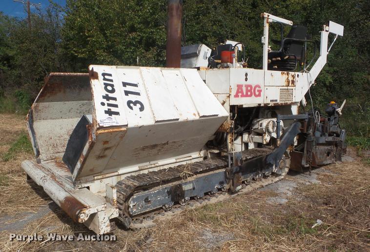 1999 ABG Titan 311 paver