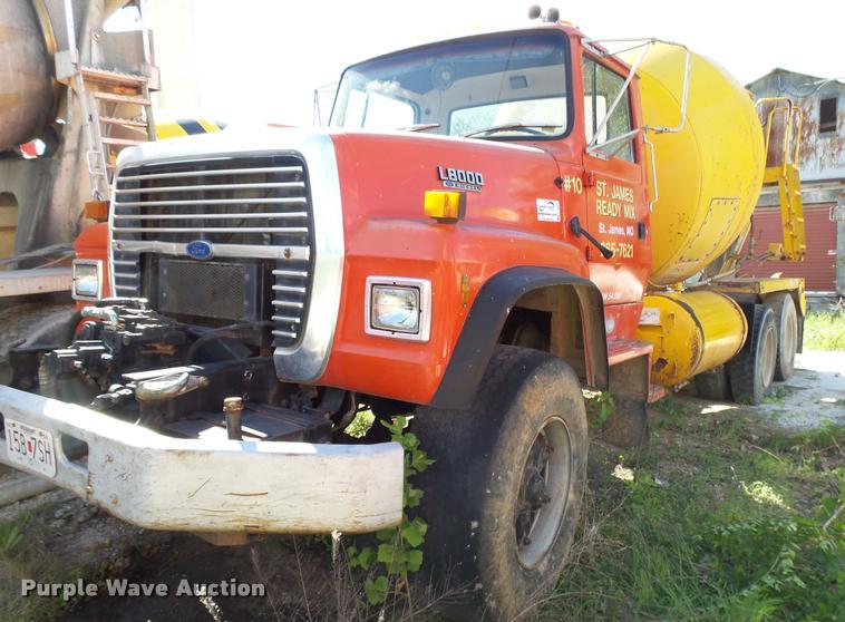 1994 Ford LT8000 mixer truck