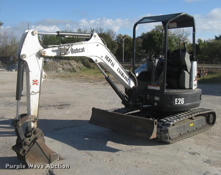 Bobcat E26-E-M compact excavator
