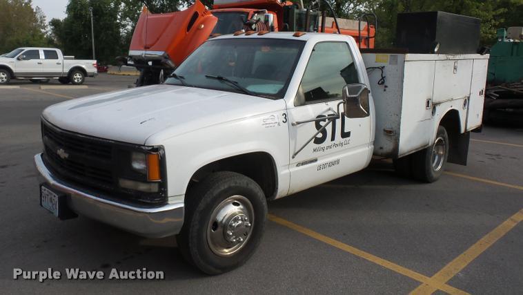 1998 Chevrolet 3500 utility truck