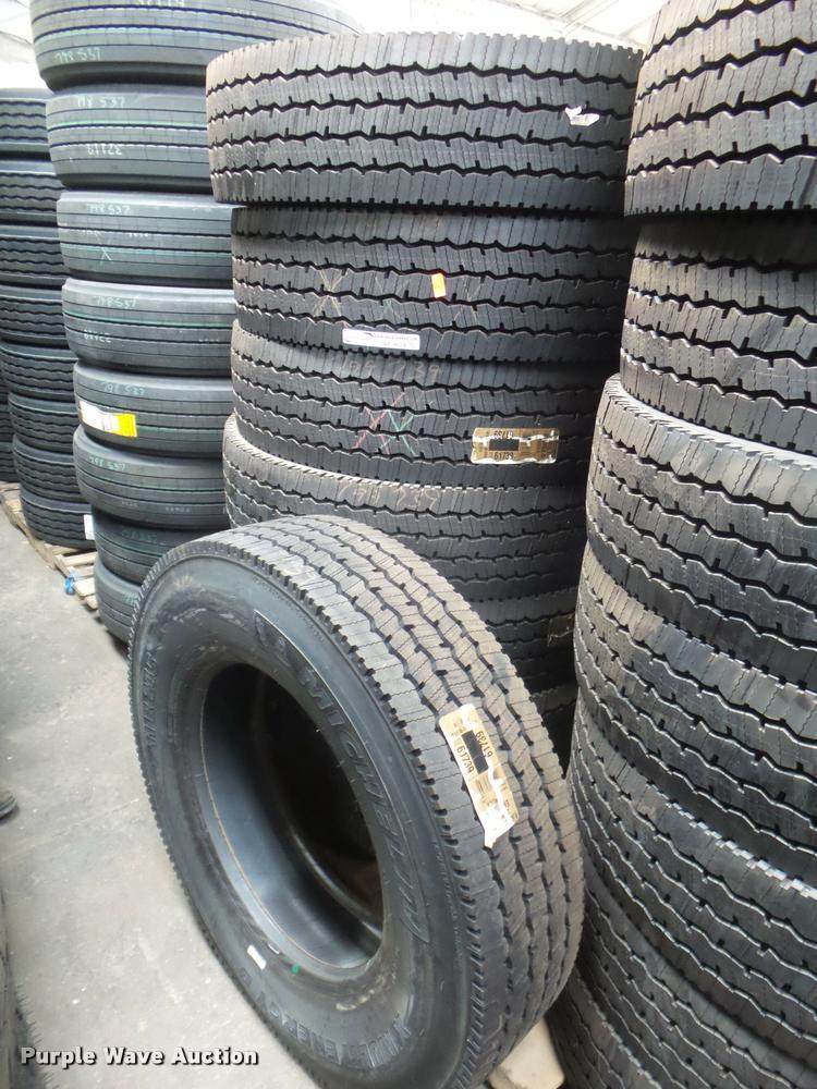 (8) Michelin X Multi Energy D 11R24.5 tires