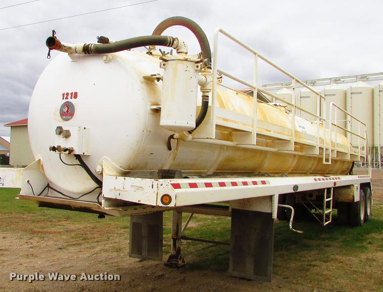 2012 Dragon 130B vacuum tank trailer