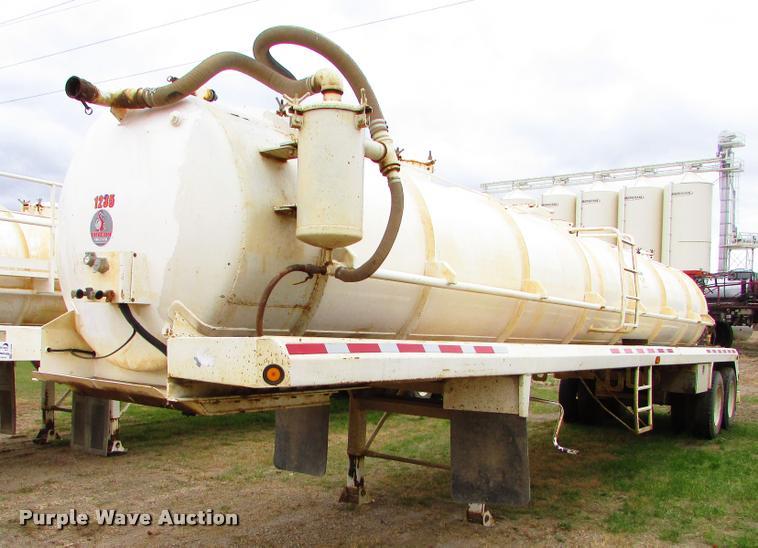 2012 Dragon 130BBL vacuum tank trailer