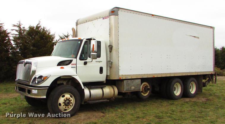 2009 International 7500 box truck
