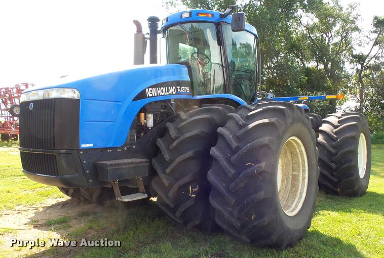 2002 New Holland TJ375 4WD tractor