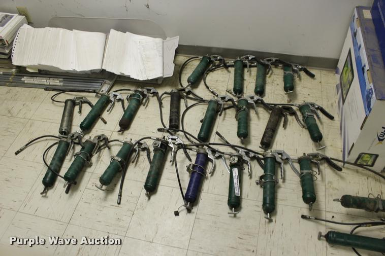 (20) grease guns