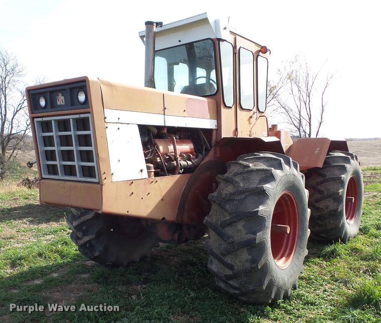 1975 International 4568 4WD tractor
