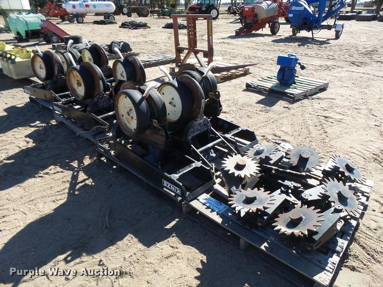 (8) Kinze planter row units and parts