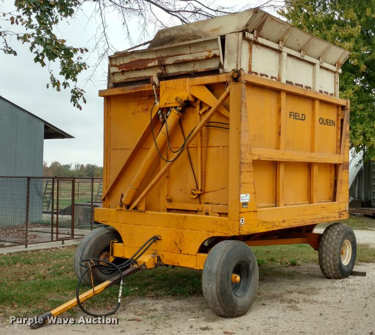 Field Queen 1408 silage dump wagon