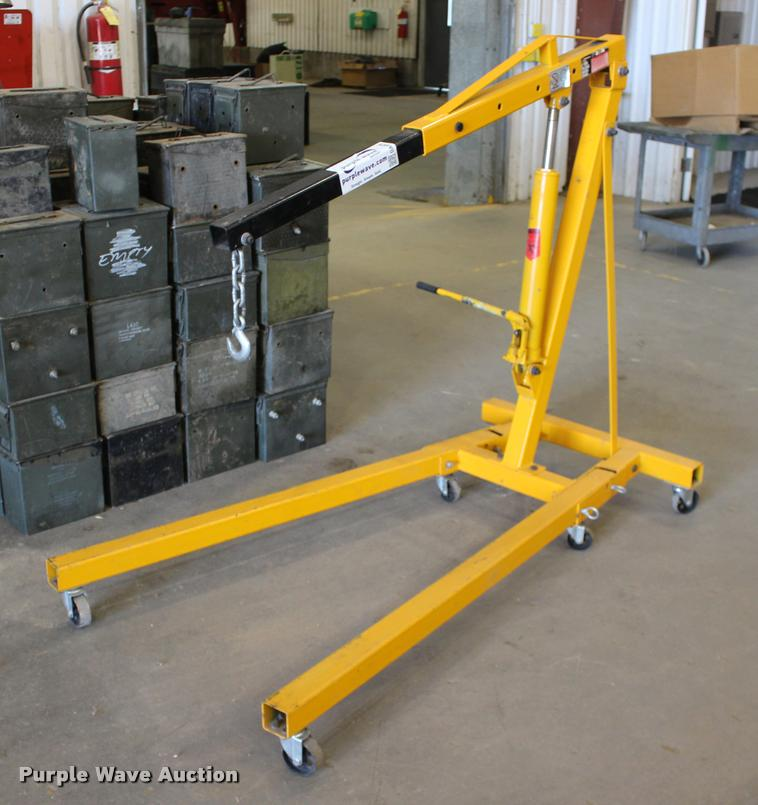Performance tool engine crane