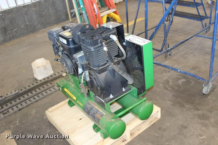 John Deere AC2-8GS air compressor