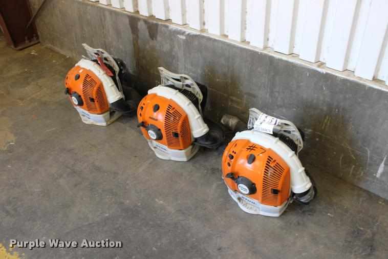 (3) Stihl BR600 backpack blowers