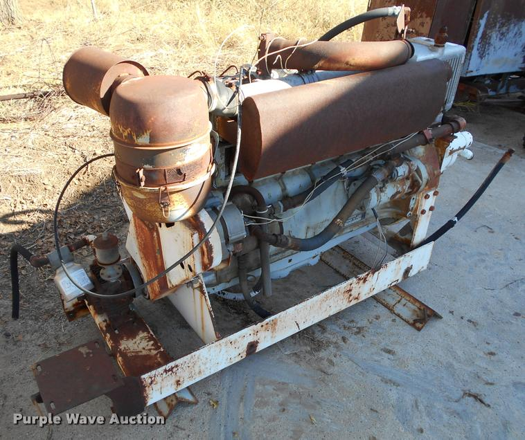 Deutz F6L912 six cylinder diesel engine