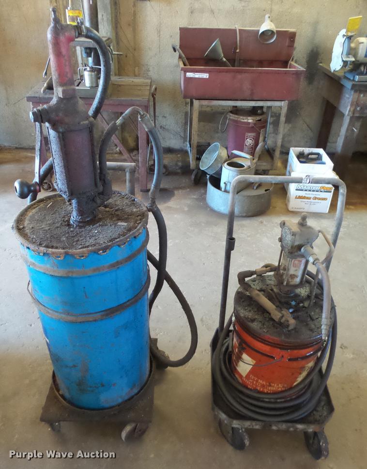 (2) grease/lube applicators