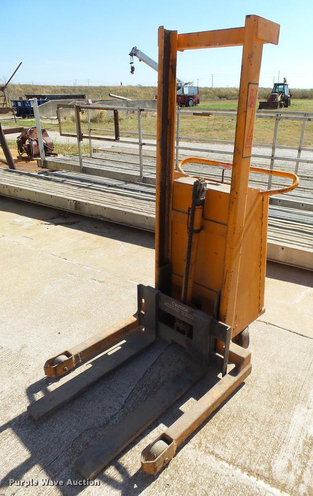 Rol-lift stacker
