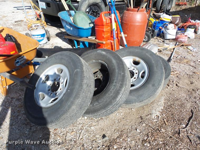(4) 245/75R16 tires and wheels