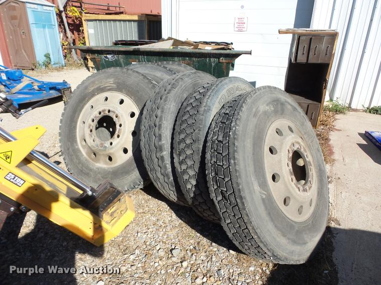 (6) 11R24.5 tires and wheels
