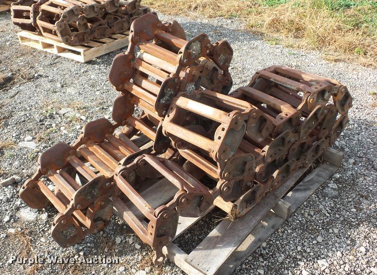 Grouser steel skid steer tracks