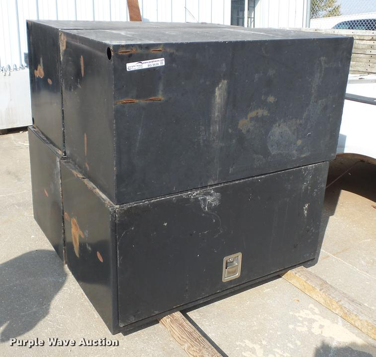 (4) toolboxes