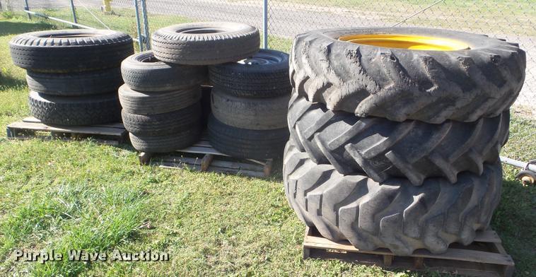 (17) tires