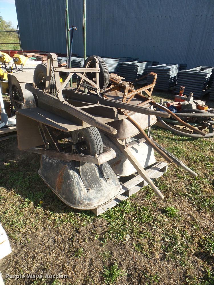 (4) wheelbarrows
