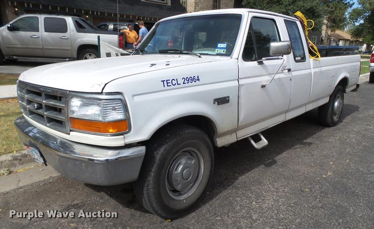 1997 Ford F250 SuperCab pickup truck