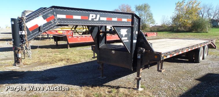 2009 PJ FD262 equipment trailer