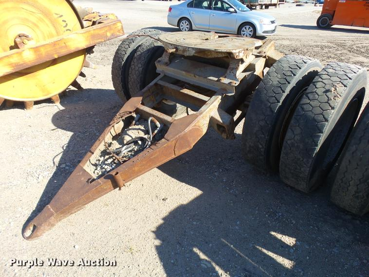 Fifth wheel tow dolly