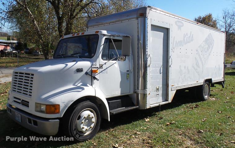 1995 International 4700LPX box truck