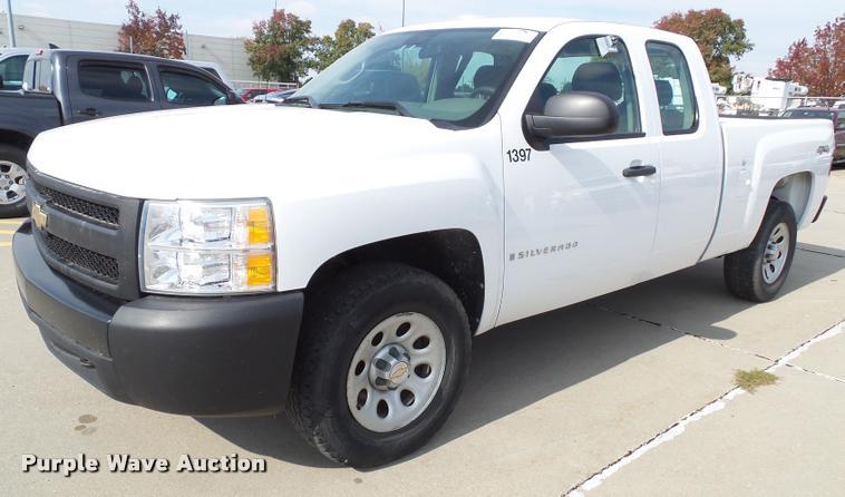 2008 Chevrolet Silverado 1500 Ext. Cab pickup truck
