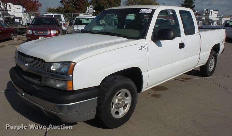 2003 Chevrolet Silverado 1500 Ext. Cab pickup truck