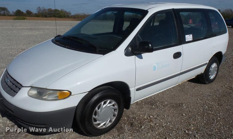 1996 Plymouth Voyager van
