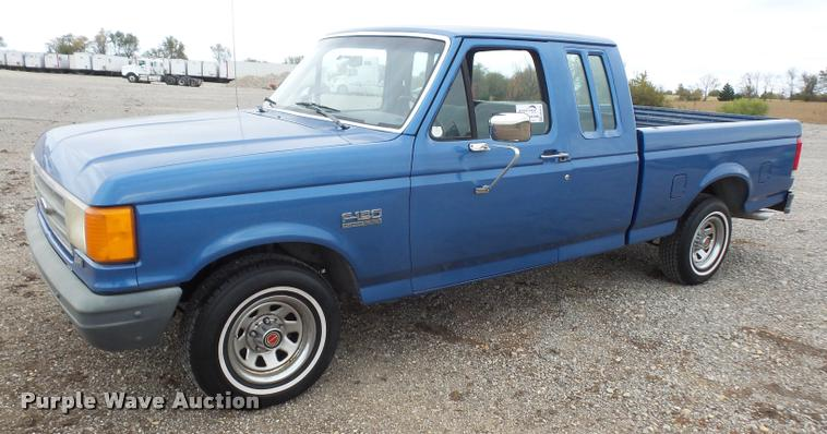 1989 Ford F150 SuperCab pickup truck