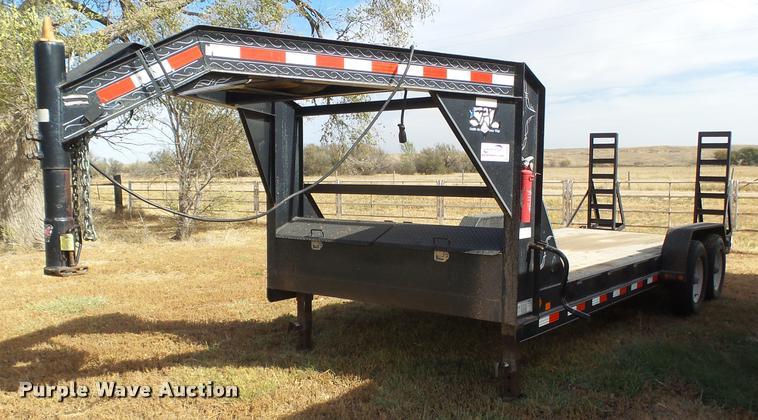 2005 PJ equipment trailer