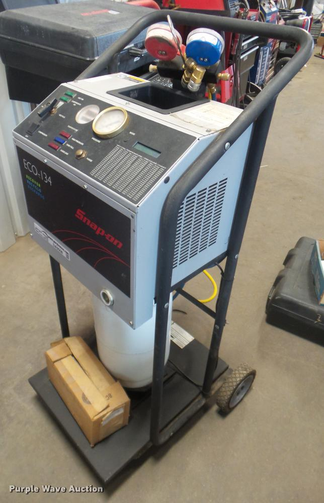 Snap-on Eco-134 refrigerant recovery/recycler