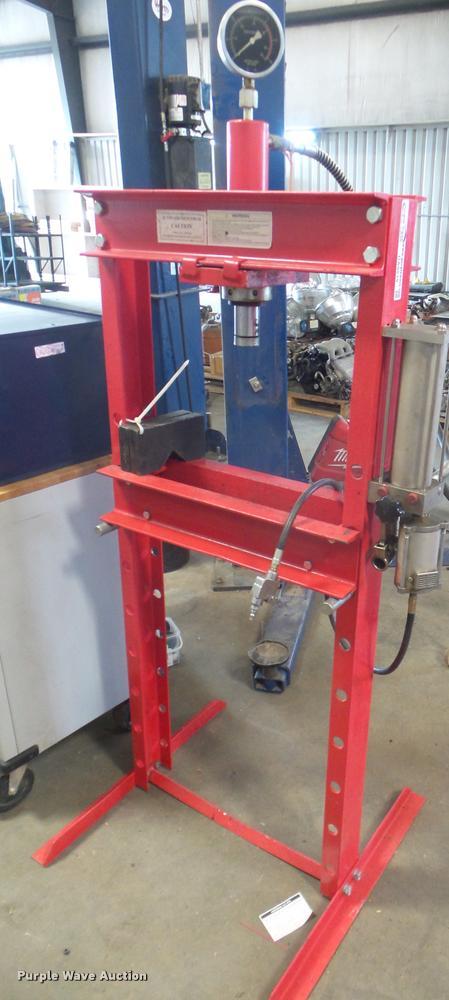 Pneumatic shop press