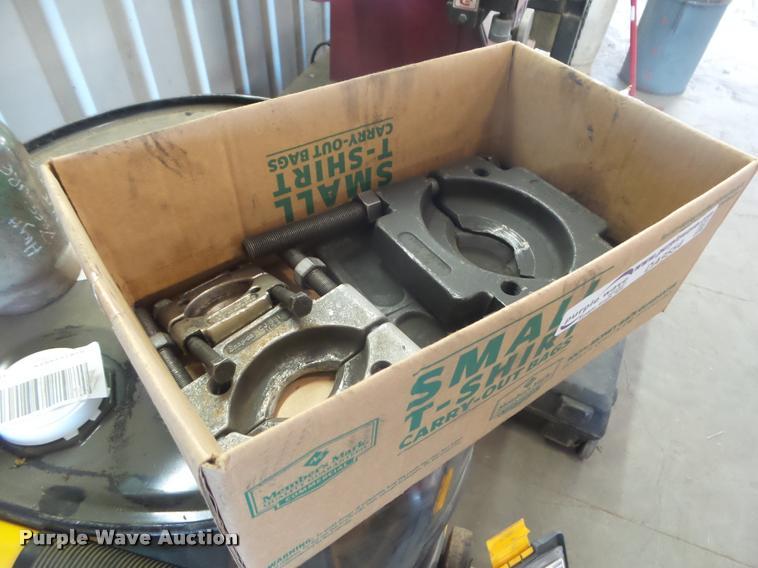 (4) bearing pullers