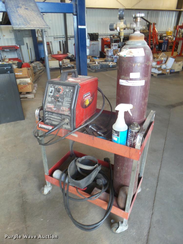 Lincoln Weld Pac 175HD welder